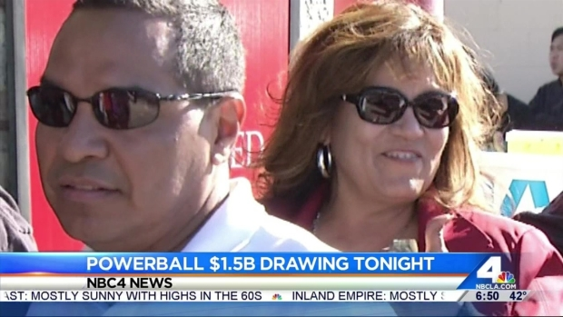 [LA] SoCal Resident Line Up as Powerball Jackpot Jumps to $1.5 Billion