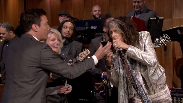 Steven Tyler Records Voicemail on Fallon