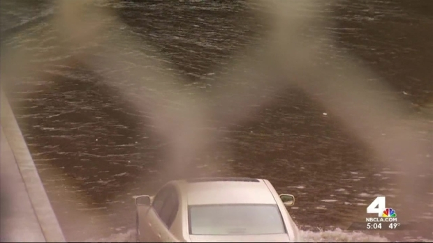 [LA] Storm Leads to 5 Freeway Flooding