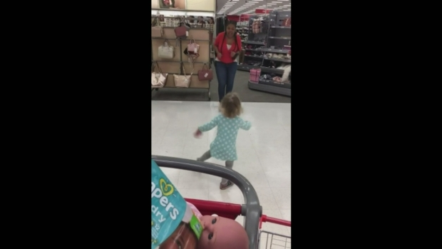 [LA] Target Employee Has Impromptu Dance Party With Toddler