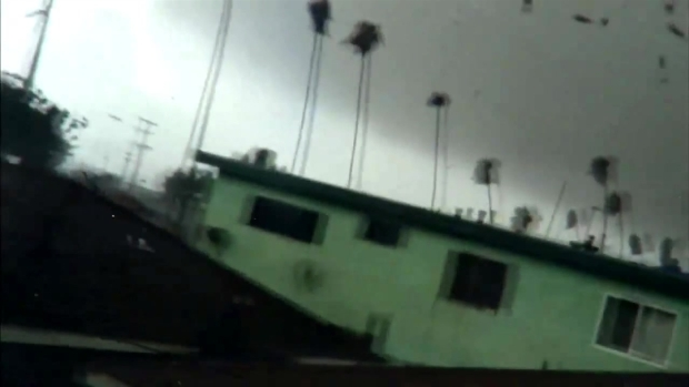 [LA] RAW VIDEO: Tornado Strikes South LA