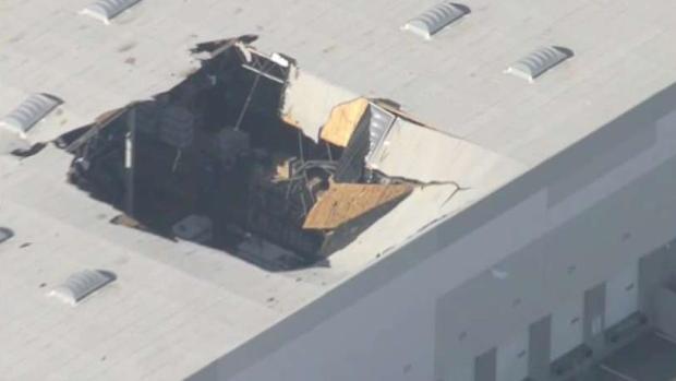 [LA] At Least 2 Injured on Ground After Jet Crash in Riverside