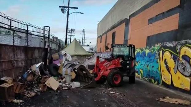 [LA] Typhus Outbreak Spreading in Los Angeles