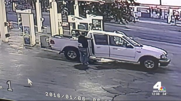 [LA] WATCH: Surveillance Video Shows Gas Station Rattling During Quake