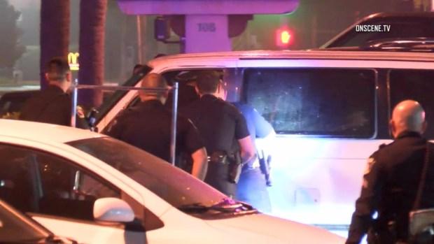 [LA] Officers Smash Windows in Fatal Minivan Standoff