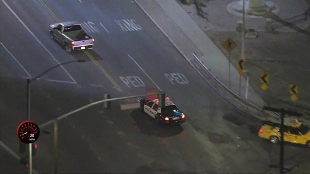 [LA] Watch: Pickup Driver Takes Tunnel Detour During Pursuit