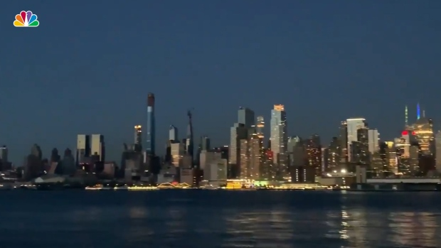 [NATL] See the Manhattan Skyline During Blackout