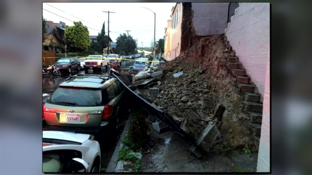 [LA] RAW Video: Wall Collapses, Causing Mud to Slide Into Car