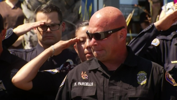 [NATL-LA] Officers Salute K-9 Killed in Line of Duty