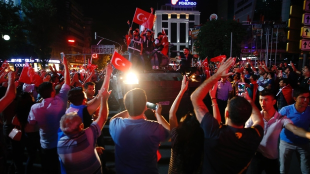 Dramatic Photos of Turkey's Attempted Coup