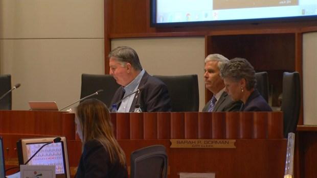 [LA] Santa Monica Votes to Regulate E-Cigs