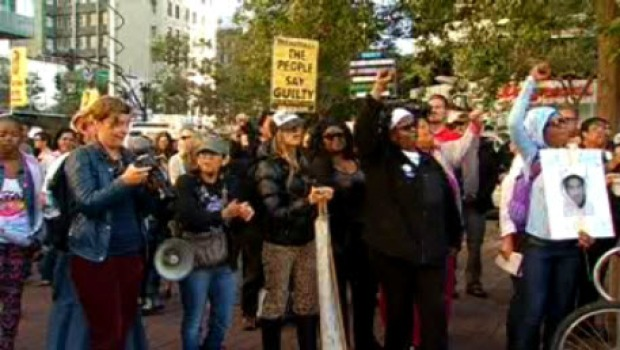 [BAY] Hundreds March for Trayvon Martin, Oscar Grant in Oakland