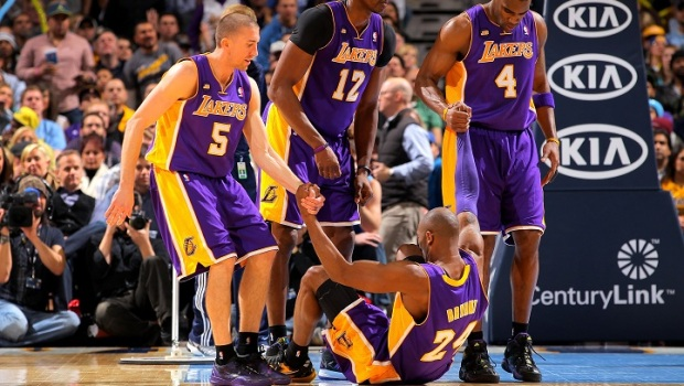 Kobe's 33 Points Help LA Blow Out Minnesota