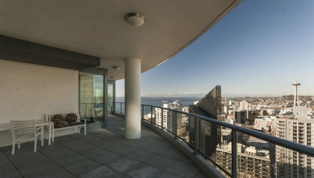 "Tim Lincecum's ""50 Shades Of Grey"" Condo Sells For $2.25M"