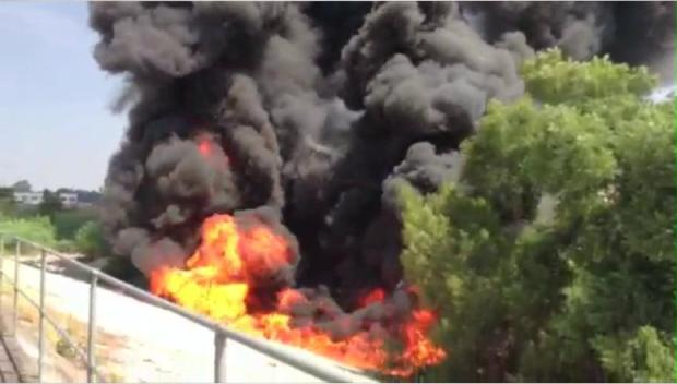 Big Rig Erupts in Flames on Fwy