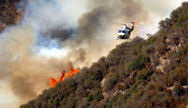 [LA] Crews Launch Aerial Attack on Williams Fire