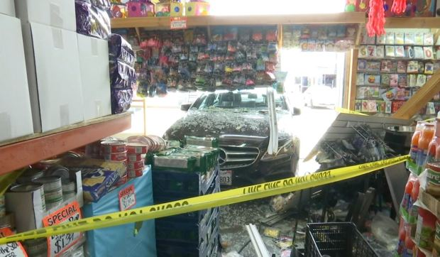 [LA] Caught on Camera: Mercedes Slams Into Store Barely Missing Customers