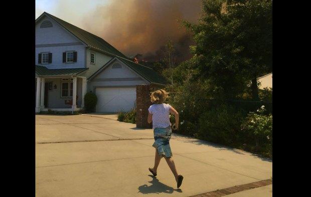 [LA GALLERY] Calgrove Fire Burns Near Newhall