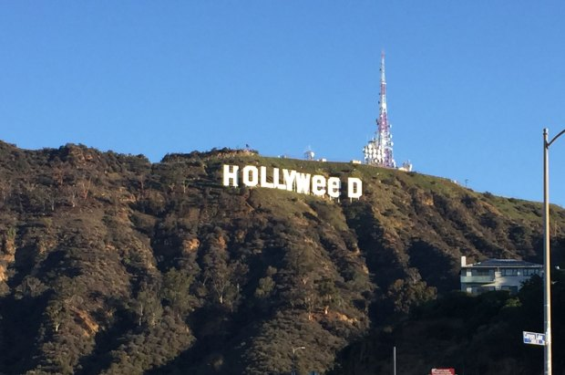 [LA] Prankster Edits Hollywood Sign Overnight