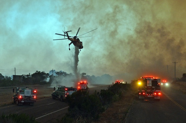 [LA GALLERY] Sherpa Fire Burns in Santa Barbara County