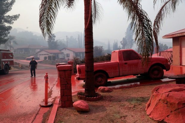 [LA GALLERY] Photos: Firefighters Defend Homes From the Holy Fire in Orange, Riverside Counties