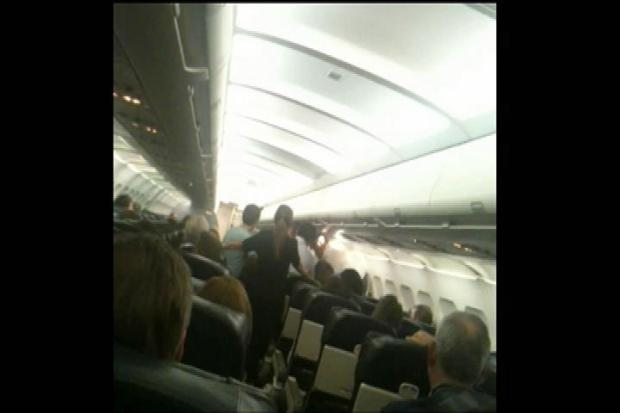 [LA] Passenger Tackled on Flight to OC Airport