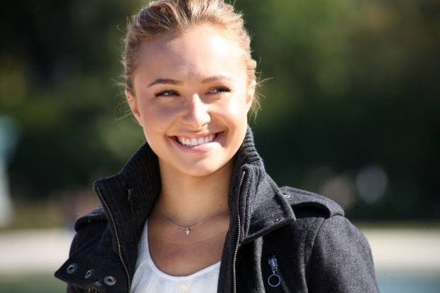 Hayden Panettiere Campaigns for 'Save The Whales Again!'
