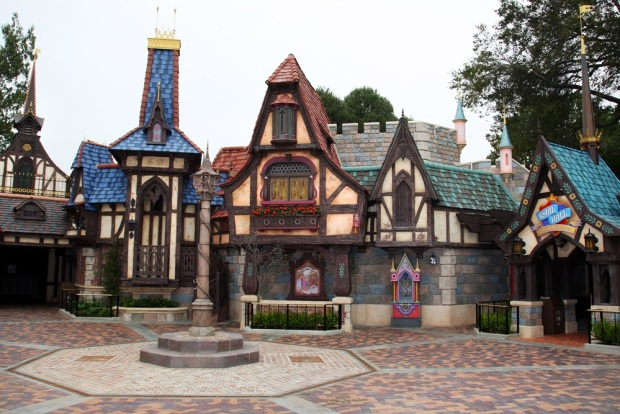 [WORTH THE DRIVE] Opening: Disneyland's Fantasy Faire