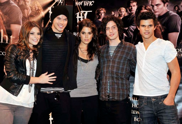 """Photos From the Red Carpet: """"Twilight"""" Cast"""