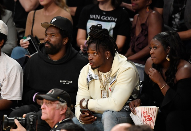 [LA GALLERY UPDATED 10/2019] Celebrity Fans in the Stands: Los Angeles Lakers Edition