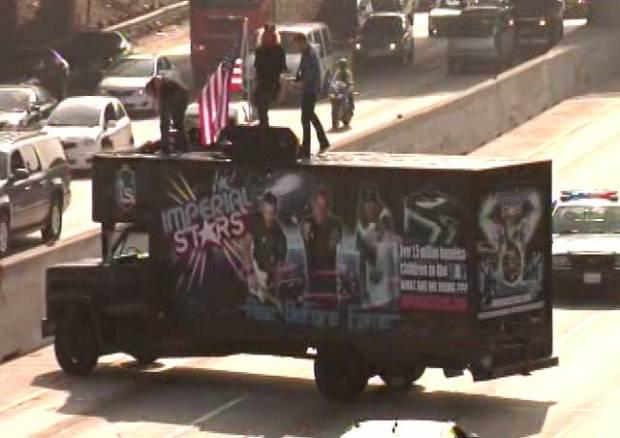 [LA] Raw Video: Traffic Jam Creates Traffic Jam