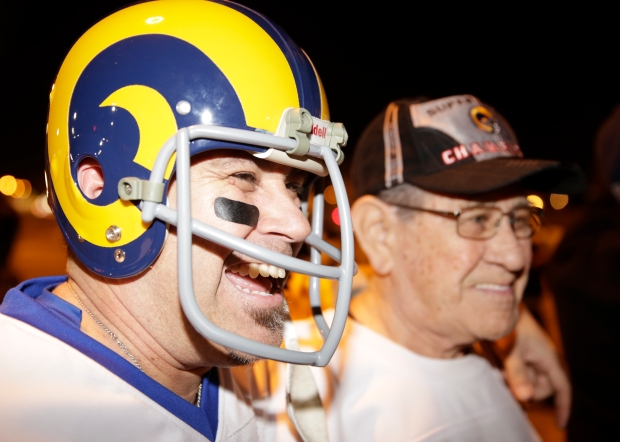 [LA GALLERY] Rams Fans Rejoice in LA
