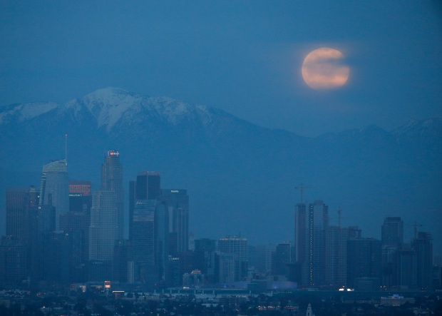 PHOTOS: LA Views Super Blood Wolf Moon Lunar Eclipse