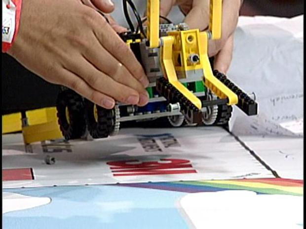 Battle of the Lego-Bots