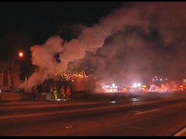 [LA] Crews Extinguish Burning Big Rig on 101 Freeway