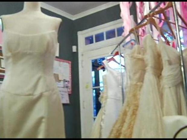 [LA] Brides Recycling Wedding Dresses