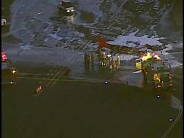 [LA] Plane Crashes at Santa Monica Airport (RAW)