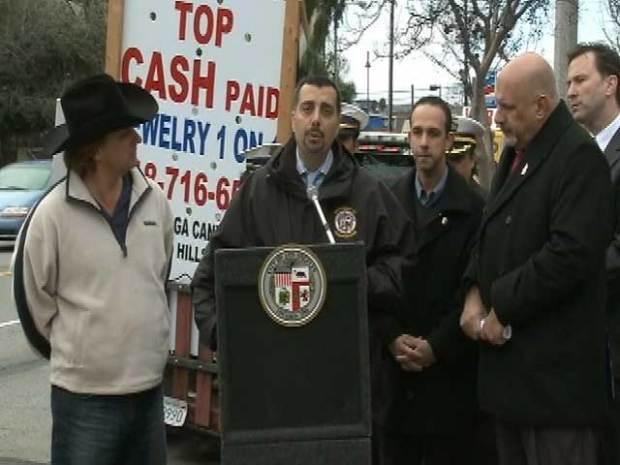 [LA] Mobile Billboard Ban Irks Businessman at News Conference
