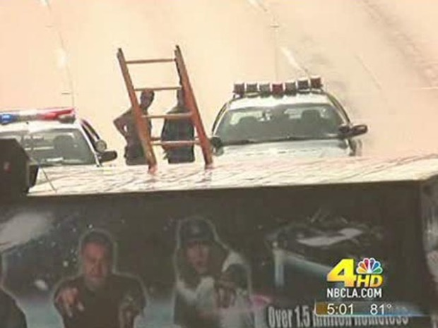 [LA] Oct. 12, 2010: Band's Stunt Shuts Down 101 Freeway