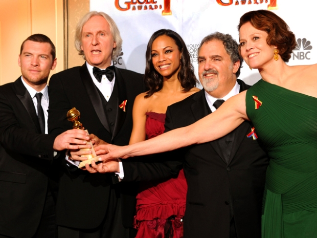 "[NATL] The Golden Globes in Photos: ""Avatar"" Wins Big"