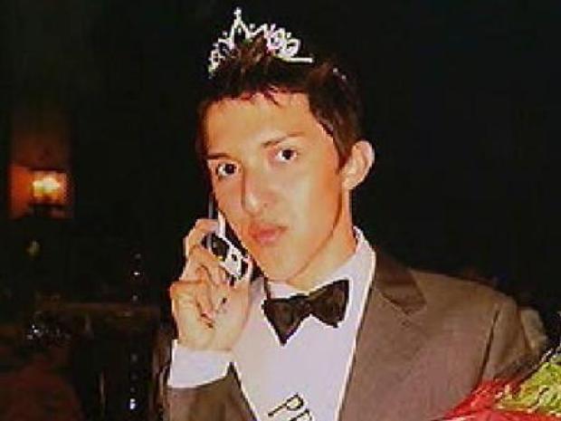 [LA] Gay Teen Voted Prom Queen