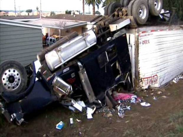 Images: Big Rig Crash in Lake View Terrace