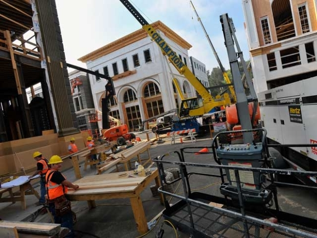 [LA] After Fire, Rebuilt Backlot Reopens at Universal