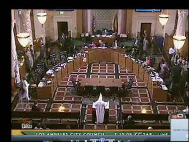 [LA] Man Refuses to Remove KKK Hood, Meeting Adjourned