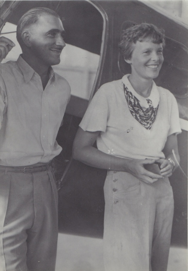 View Pics of Amelia Earhart, Documents