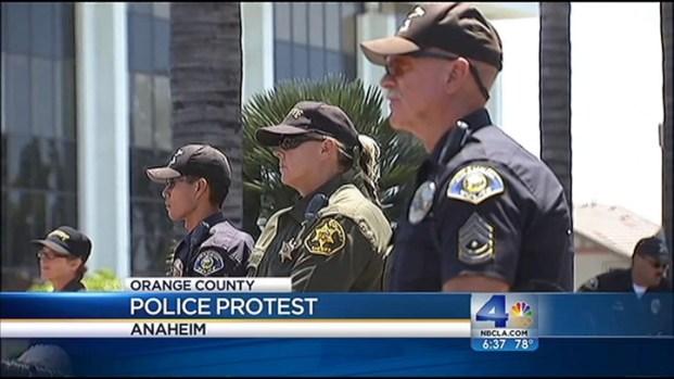 [LA] Cops, Protesters Clash in Anaheim
