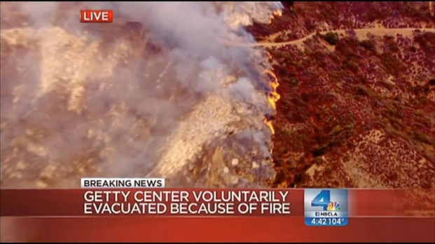"[LA] Sepulveda Fire is ""Sad Attraction"" For SoCal Visitors"