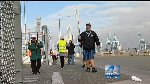 [LA] Strike Brings Nation's Busiest Port Complex to a Halt