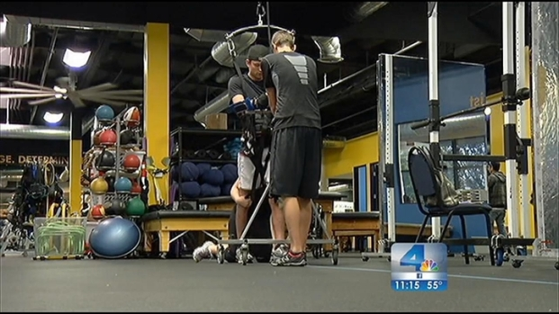 [LA] Life Connected: Man Refuses to Accept Paralysis, Takes First Steps