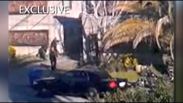 [LA USE THIS ONE]Caught on Video: Deadly Police Shootout in Santa Cruz
